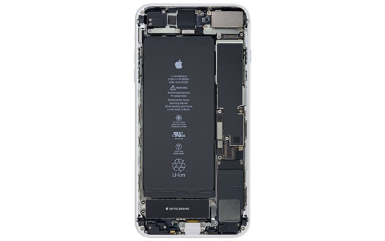 Bên trong một chiếc iPhone 8.