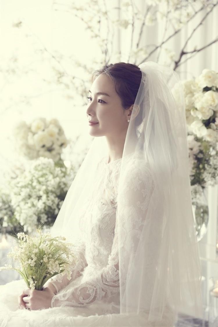 HOT: Lộ ảnh cưới hiếm hoi của mỹ nhân Bản tình ca mùa đông Choi Ji Woo