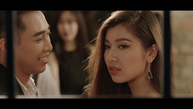 Nhân vật nữ chính trong MV là Đồng Ánh Quỳnh - Á quân The Face Việt Nam 2017.