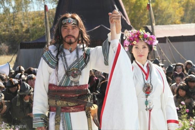 Anh và Tôn Lệ là một cặp đôi trời sinh trong Mị Nguyệt truyện