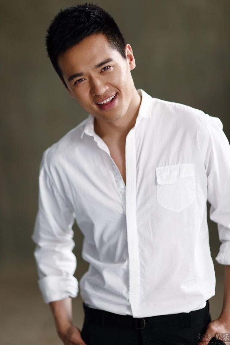 Năm 2013, anh góp mặt trong dự án Lục trinh truyền kỳ