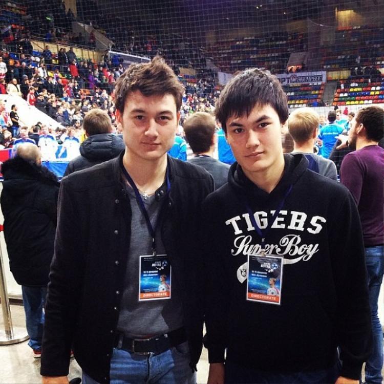 Dự đoán sau này Văn Mạnh sẽ đẹp trai hơn cả anh trai.