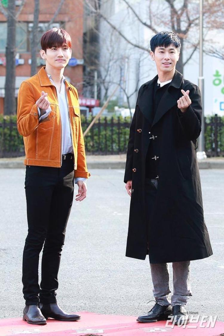 TVXQ xuất hiện tại đài truyền hình KBS sáng 30/3.