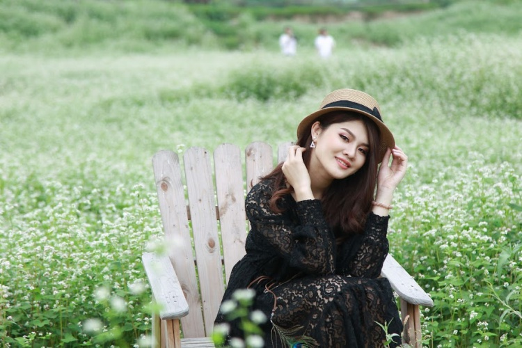 Bạn không nhìn nhầm đâu, hoa tam giác mạch đang nở rộ trái mùa tại Hà Nội đấy!