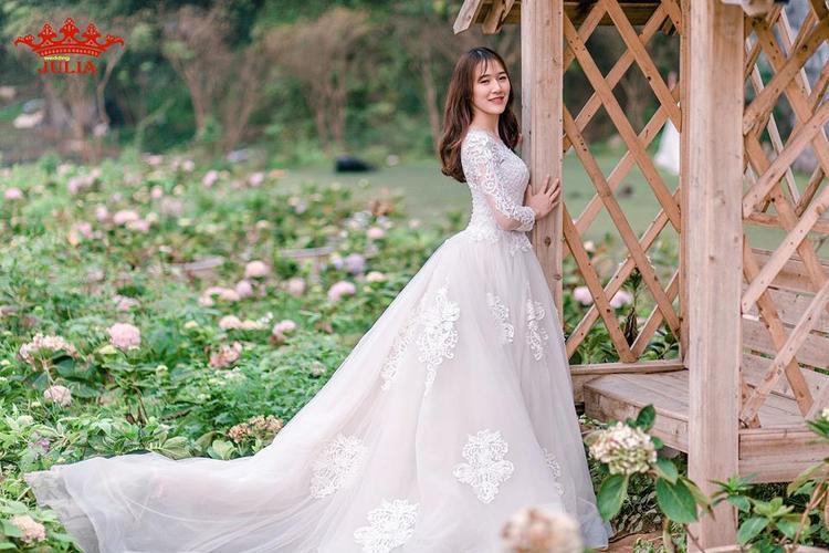 Những shot hình đẹp long lanh của hoa khôi ĐH Thủy Lợi.
