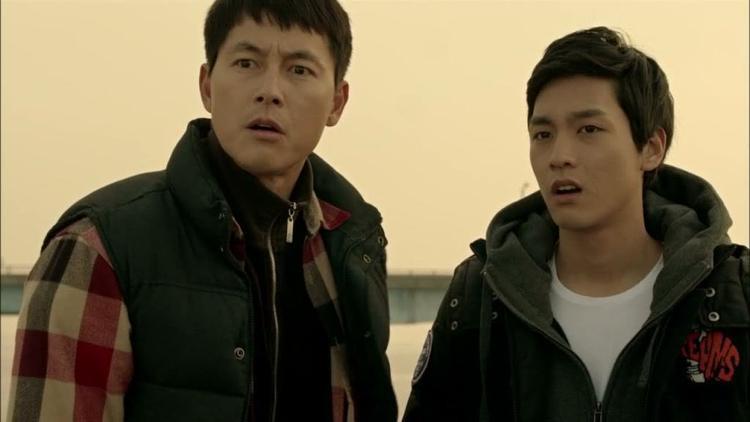 """Trong """"Padam Padam"""", Choi Tae Joon đóng vai cậu con trai khó tính của nam chính (Jung Woo Sung)."""