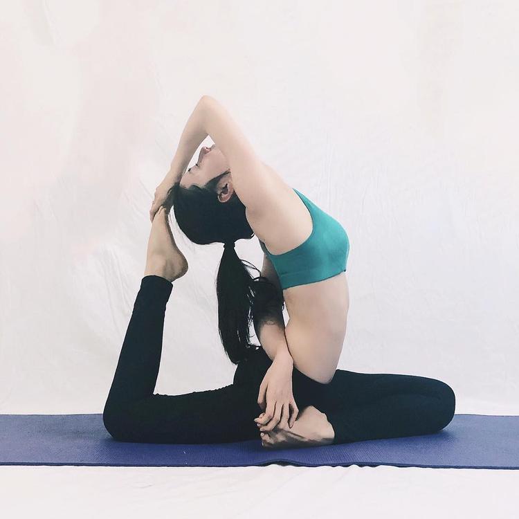 Hiện tại, Diễm My 9X đang theo đuổi bộ môn Yoga để cơ thể thêm dẻo dai, săn chắc.