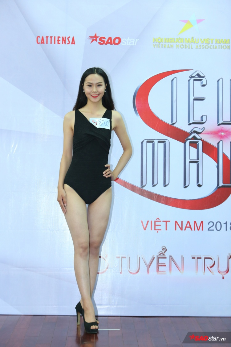 Người đẹp đến từ Hoà Bình cũng là một trong những mẫu nữ có chiều cao nổi trội lên tới 1m78 của vòng casting.