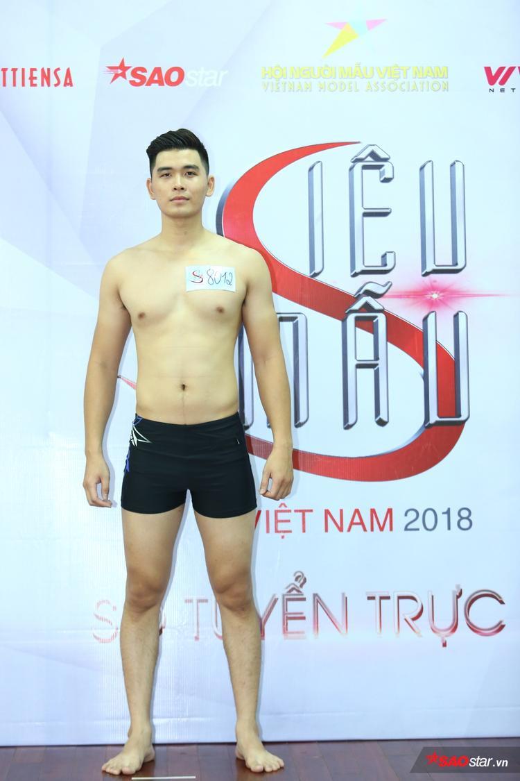 """Nguyễn Việt Anh, sinh năm 1993, cao 1m88 là thí sinh sở hữu chiều cao """"khủng"""" nhất khu vực phía Bắc."""
