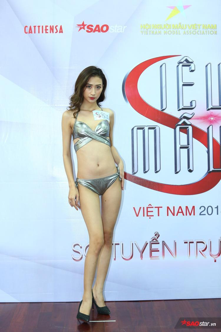 Lương Yến Ly, sinh năm 1999 nổi bật với chiều cao 1m76.
