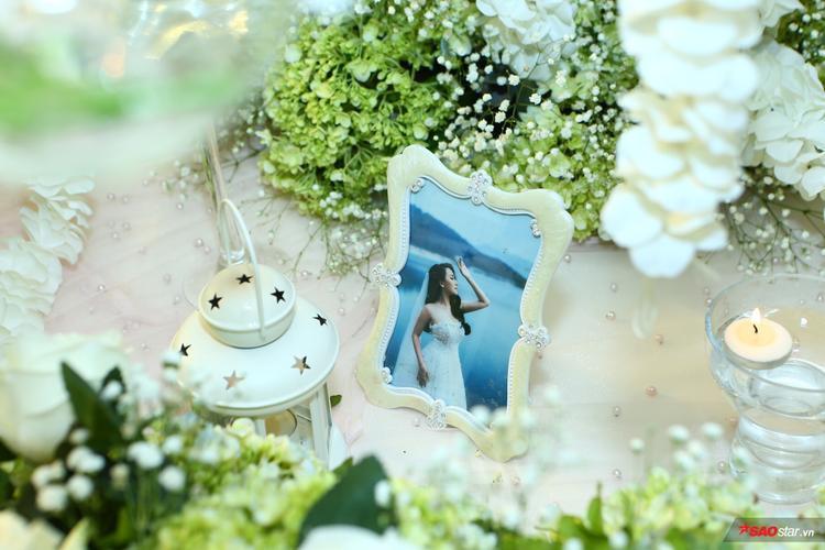 Không gian sang trọng của hôn lễ.
