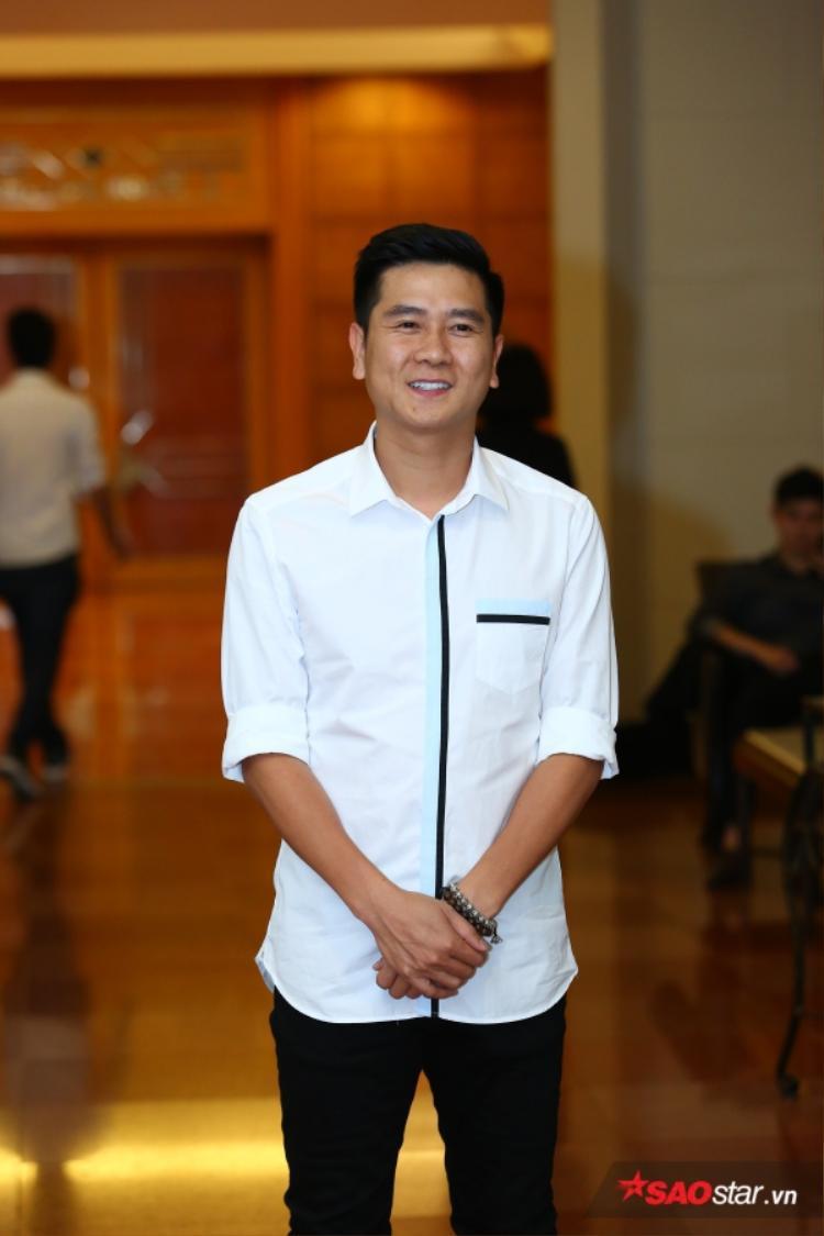 Nhạc sĩ Hồ Hoài Anh cũng tới chung vui.