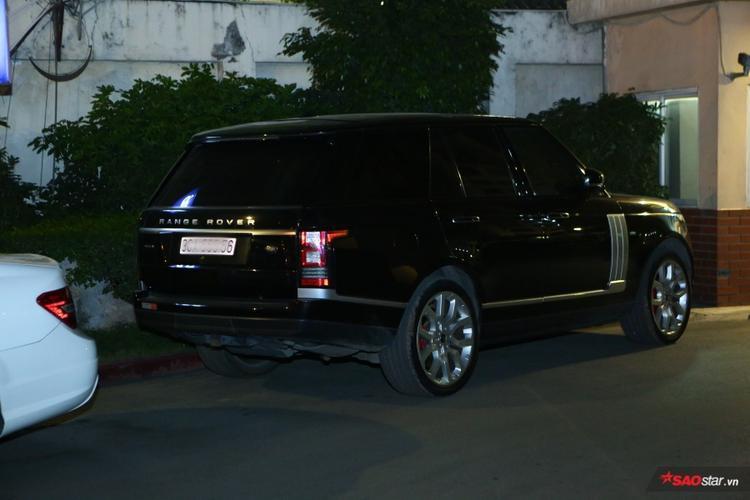 …Range Rover,…