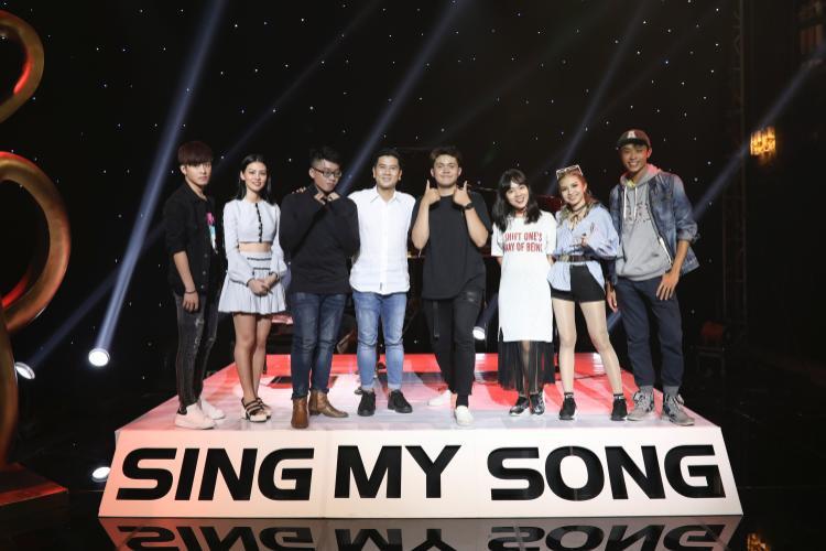 Team Hồ Hoài Anh tại Sing My Song 2018: Gin Tuấn Kiệt, Bùi Lan Hương, Đinh Tuấn Anh, Andiez, Khả Linh, Shin Hồng Vịnh, Dương Quốc Huy.
