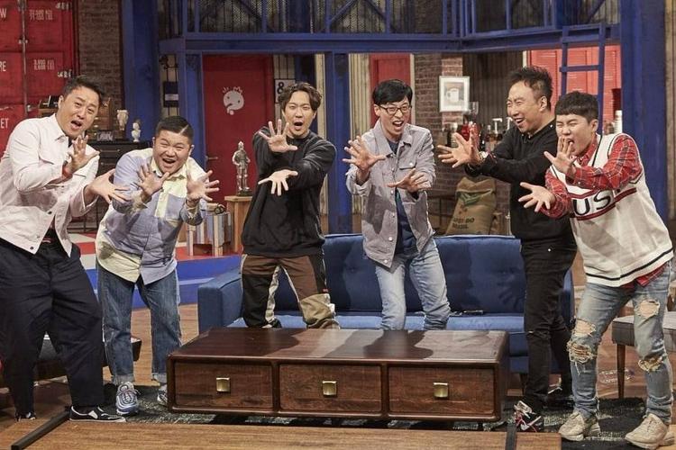 Nụ cười đầy nỗi buồn của các thành viên Infinity Challenge khiến người hâm mộ vô cùng xúc động.