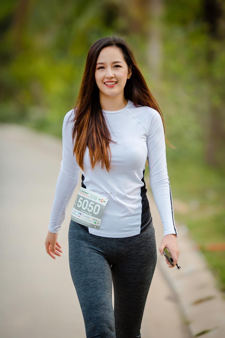 Vẻ đẹp rạng rỡ của Hoa hậu Việt Nam 2006.