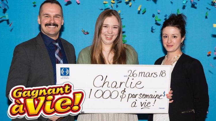 Ở Quebec, một công dân phải đủ 18 tuổi mới được chơi xổ số. Ảnh: LotoQuebec