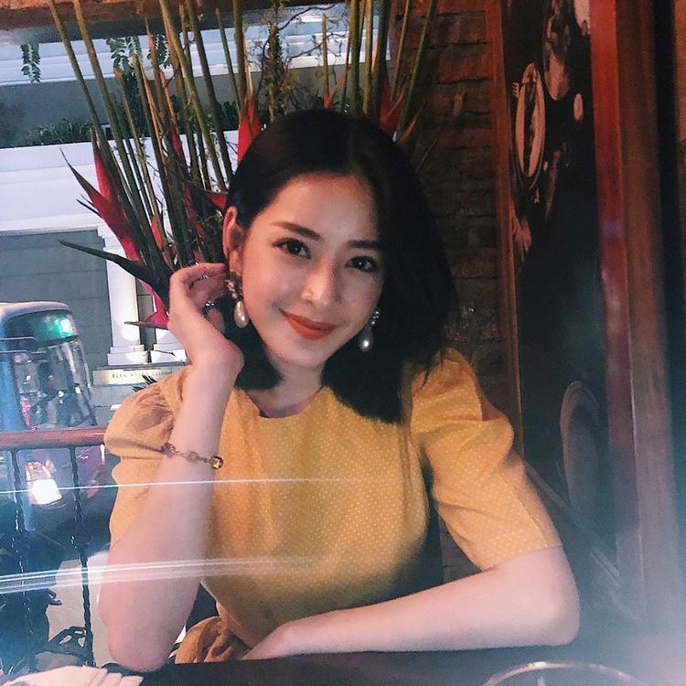 Cô gái cá tính Chi Pu ngày nào giờ đã trở nên e lệ và xinh đẹp như thế này.