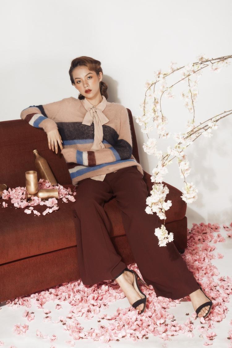 Xuất thân là người mẫu lookbook, Phí Phương Anh dễ dàng biến hóa hình ảnh, cá tính trong những buổi shooting.