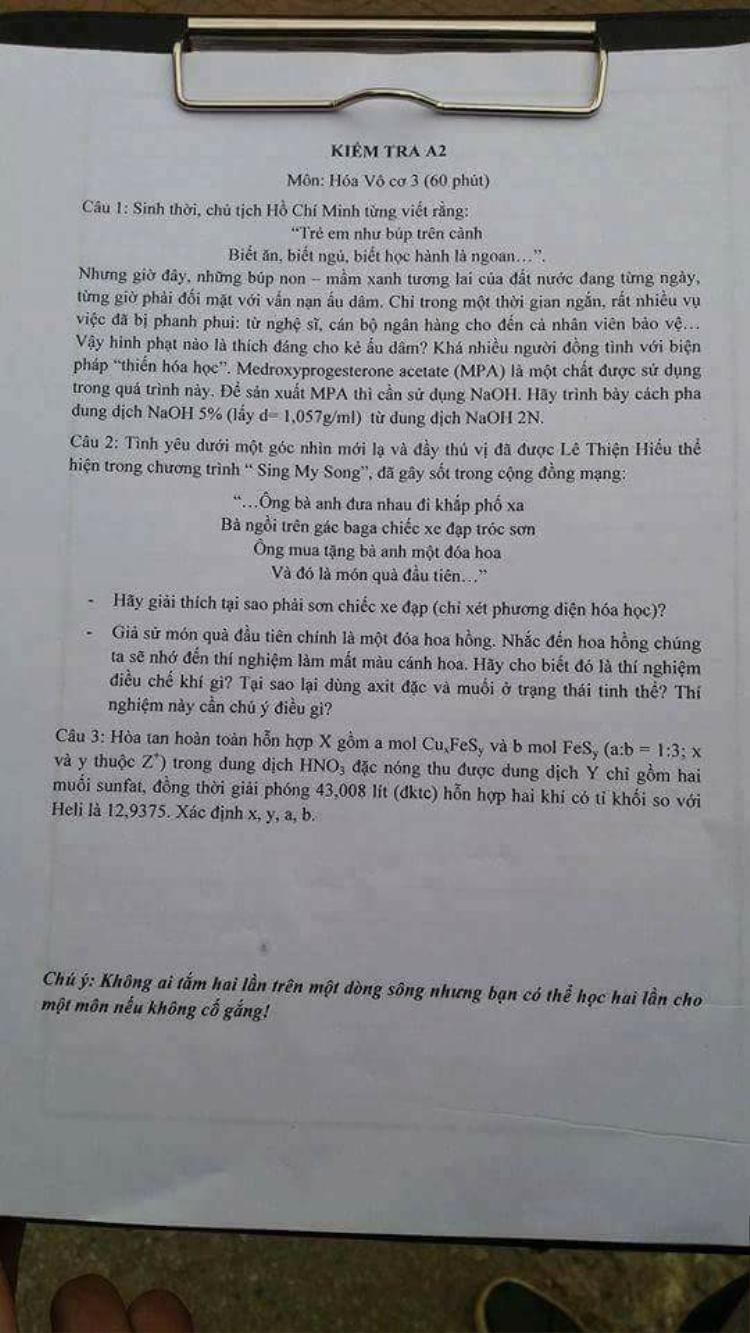 Đề thi Hóa lấy cảm hứng từ nạn ấu dâm trẻ em và ca khúc ông bà anh khiến học sinh choáng váng