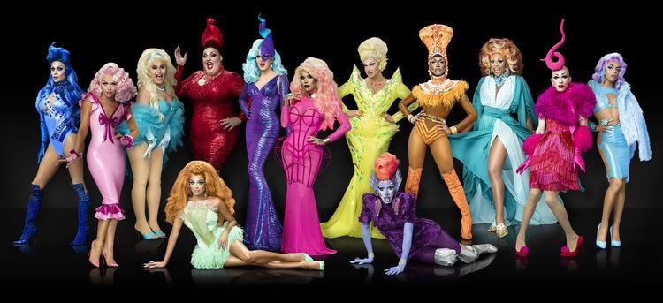 Bạn không nhìn nhầm đâu, đây là các drag queen thứ thiệt đấy! Họ đến từ RuPaul's Drag Race.