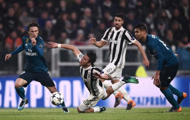 Thi đấu xuất thần, Ronaldo tiếp tục gieo sầu cho Bà đầm già ngay tại Turin