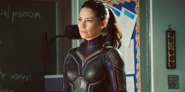 Nữ diễn viên Evangeline Lilly trong vai The Wasp.