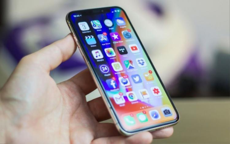 Thậm chí, Business Insider bình luận, ở thời điểm hiện tại cũng không có gì chắc chắn hai đặc điểm thú vị mới nêu trên sẽ xuất hiện trong những iPhone thương mại trong tương lai.