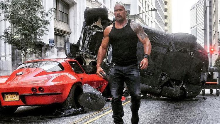 Fast 8 có thể là tập phim cuối cùng của The Rock đóng cùng Vin Dieseltrong series đình đám này.