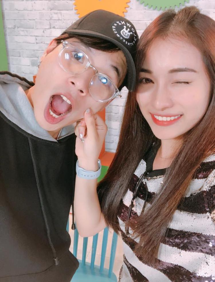 """Trước tin đồn hẹn hò cùng Dương Khắc Linh, Ngọc Duyên cũng từng khiến fan """"đoán già đoán non"""" về chuyện tình cảm với bạn đồng hành Jaykii trong một gameshow truyền hình."""