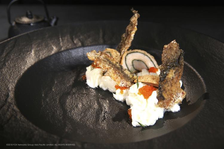 Đầu bếp Tạ rất tự tin trong món cá với hai biểu tượng của Shunde, nhưng anh vẫn bị điểm trừ vì cá chưa đủ giòn và nhận được tổng số điểm 24.
