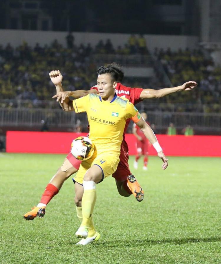 Quế Ngọc Hải đã có bàn thắng ấn định chiến thắng 2-0 cho SLNA.