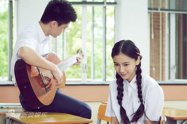 """""""Trong lớp được ngồi cạnh """"người iu"""" thì việc học sẽ vui vẻ hơn, bớt nhàm chán đi"""" - (Ảnh minh họa)."""
