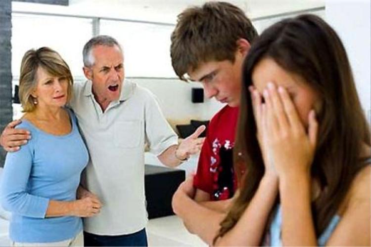 Bị 2 bên gia đình phản đối là nguyên nhân khiến cặp tình nhân cảm thấy mệt mỏi và muốn buông tay nhau.
