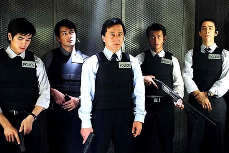 Ước mơ của Thành Long từ nhỏ là được trở thành cảnh sát nhưng do học vấn quá thấp nên nam diễn viên chỉ đành thực hiện nó trong các bộ phim.