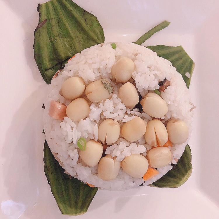 Mặc dù theo chế độ ăn khá chọn lọc nhưng Trinh vẫn duy trì chọn những thực phẩm tốt cho sắc đẹp.