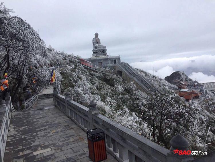 Bích Vân Thiền Tự đẹp như cảnh trong phim ở châu Âu.