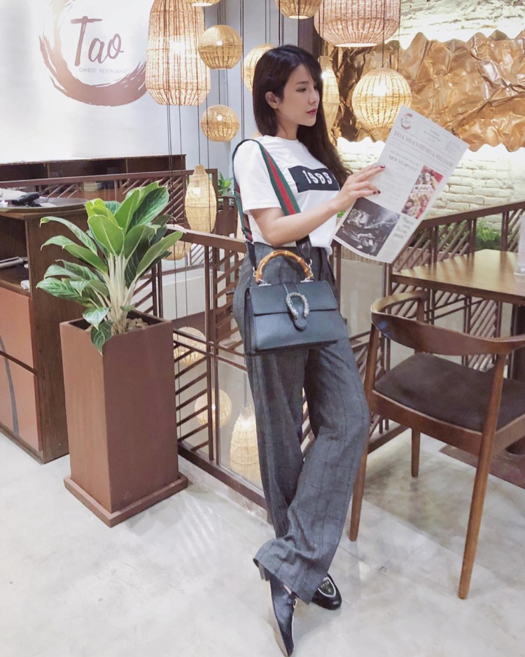 Giống Kỳ Duyên, cô bạn thân Diệp Lâm Anh cũng ưa chuộng cách mặc này.