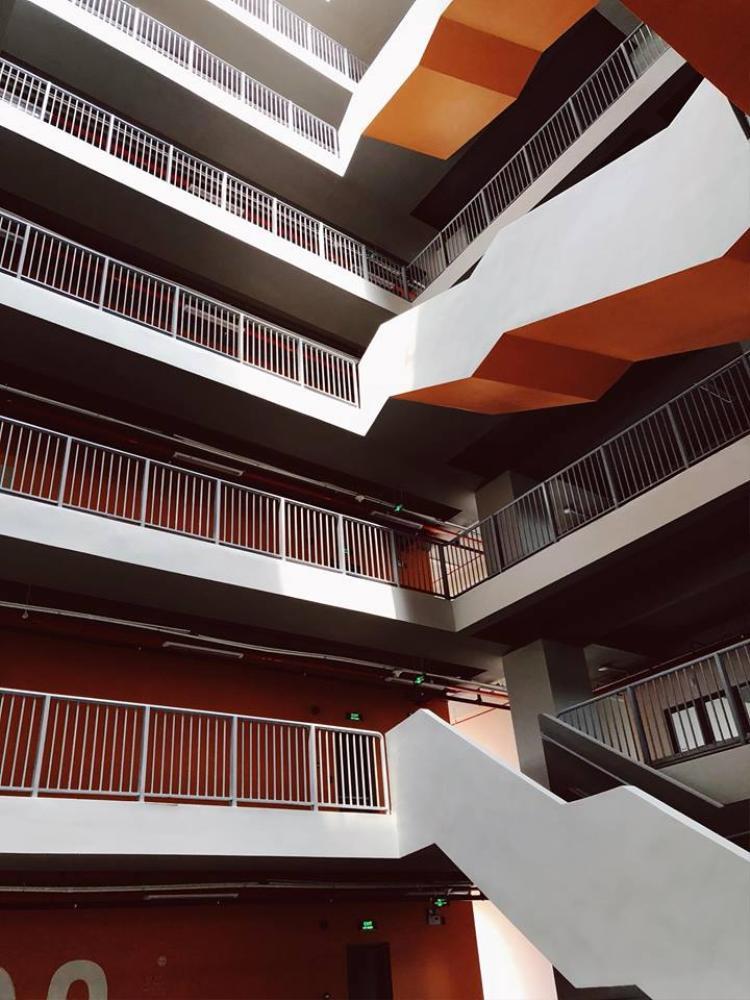 Một bức ảnh khác của Mỹ Dung chụp tại cơ sở mới.