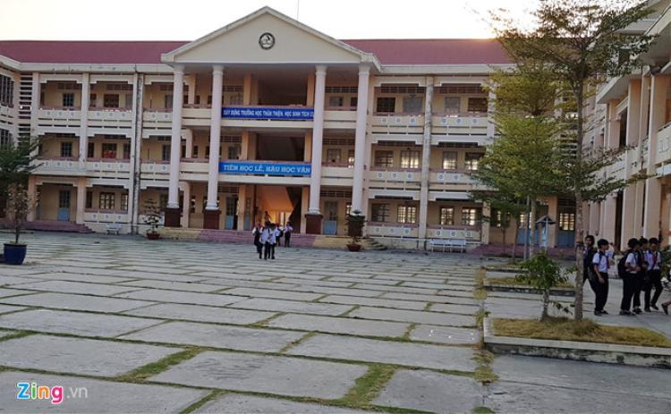 Trường THCS và THPT Trần Đề. Ảnh: Việt Tường.