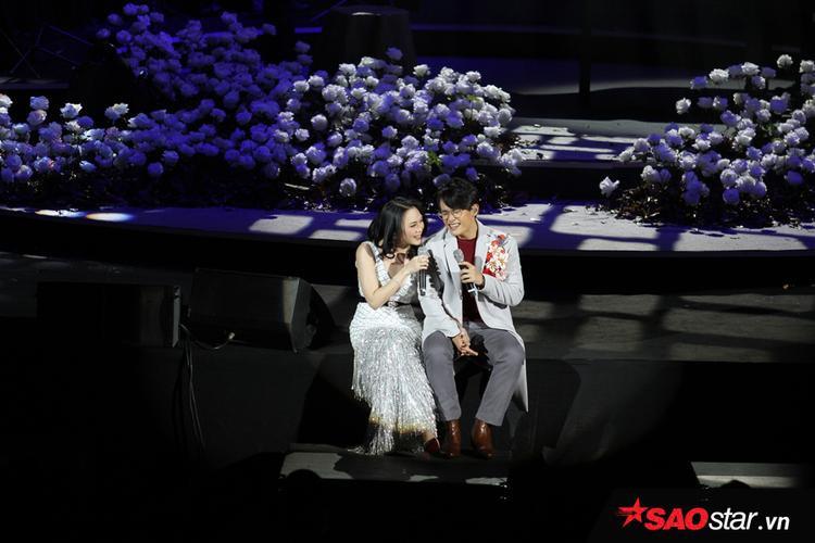Vừa kể mối tình đơn phương Song Hye Kyo, Hà Anh Tuấn lại được Mỹ Tâm tỏ tình