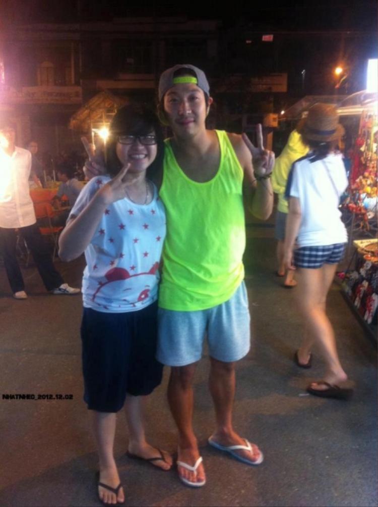 Fan may mắn chụp ảnh cùng HaHa khi anh đến Đà Nẵng nghỉ mát.
