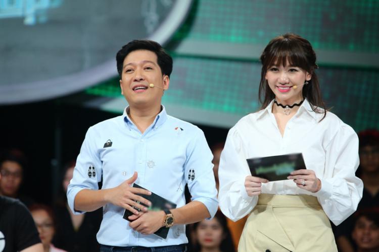 Trường Giang và Hariwon tiếp tục đồng hành trong vai trò MC.
