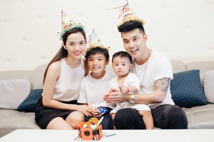 Gia đình nhỏ luôn ngập tràn tiếng cười của Ưng Hoàng Phúc.