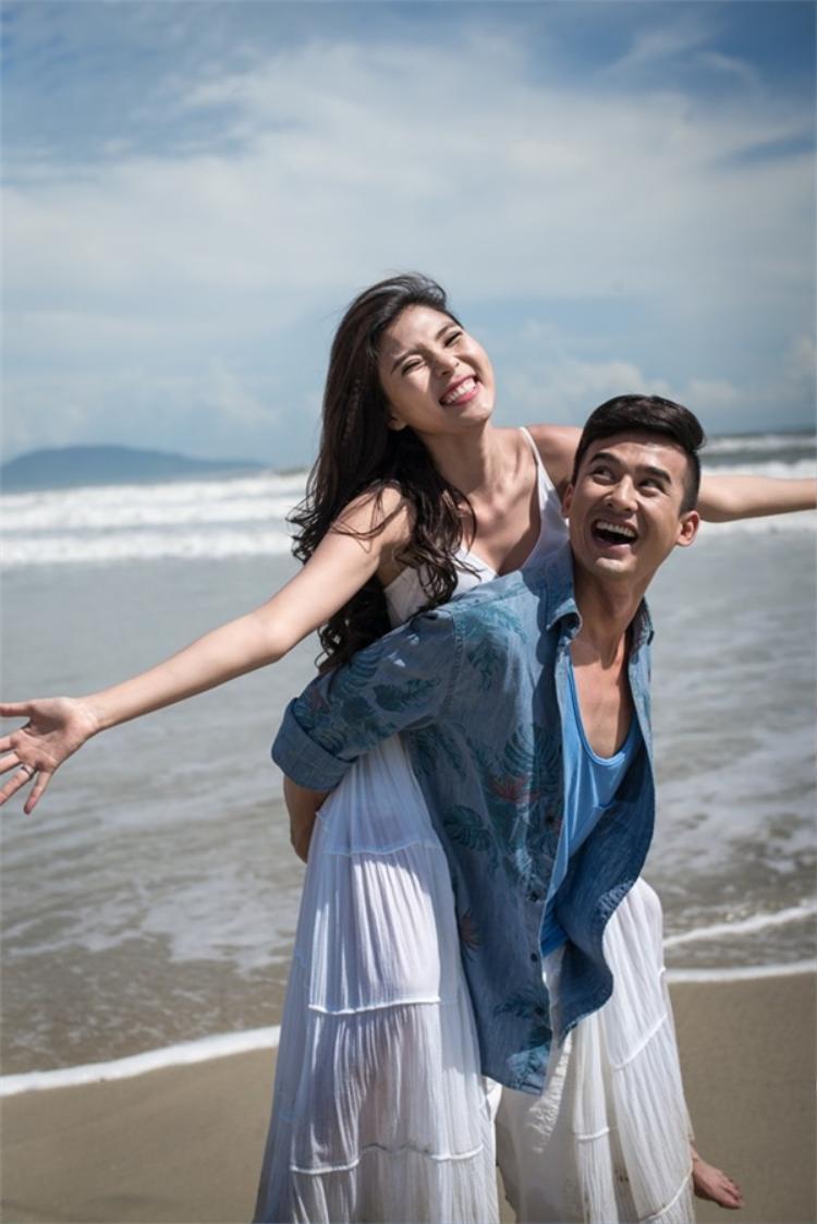 Lương Thế Thành - Thuý Diễm là một trong những cặp đôi trai tài gái sắc của làng giải trí.
