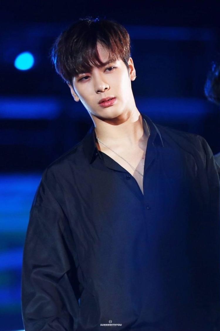 Jackson khiến fan lo lắng vì nhập viện do sức khoẻ không tốt.