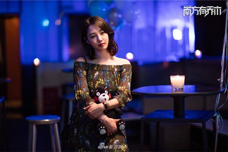 Sở hữu vẻ đẹp không tuổi, Bách Bạch Hà còn được xếp vào danh sách những diễn viên tài năng nhất của làng phim Hoa ngữ,