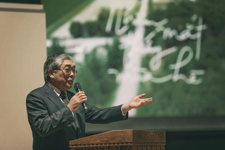 Thị trưởng Matsuoka Ichiro phát biểu.