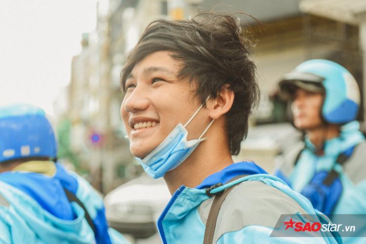 Long vẫn nhớ về cái chuyến đi Ninh Thuận nửa đêm vì khách ấy. Với cậu trai trẻ, Uber là trải nghiệm không bao giờ quên.