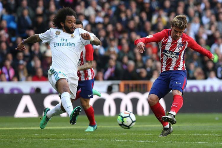 Barca  Ngư ông đắc lợi sau trận derby Madrid